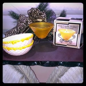"""2 BOWLS 5 1/2"""" AND NEW GLASS CANDLE HOLDER"""